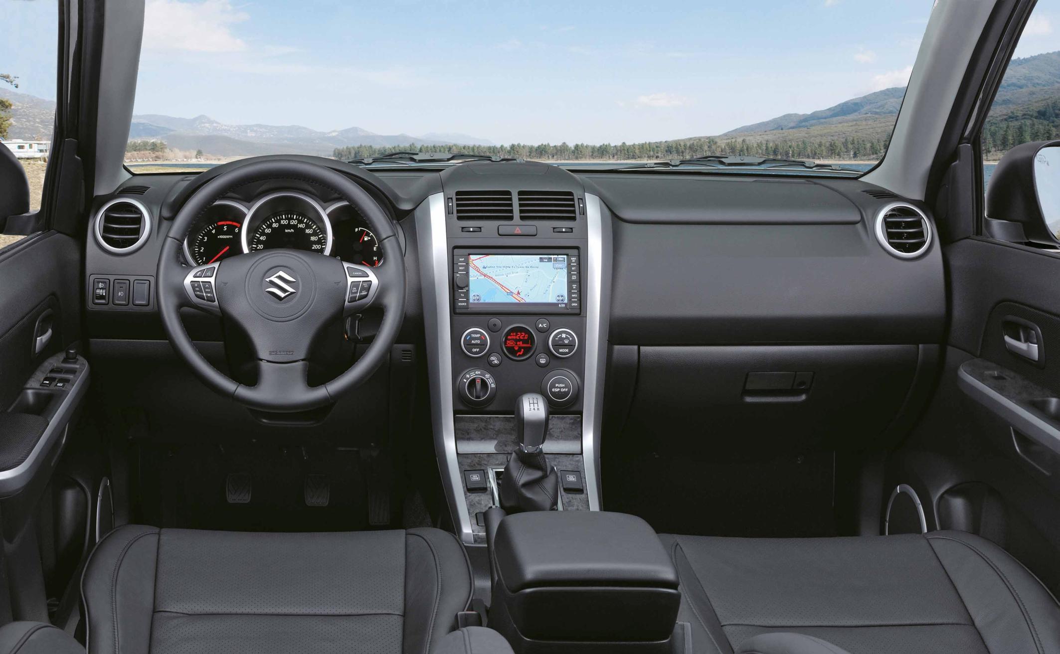 Suzuki Grand Vitara Sondermodell X30 Innenraum Mit Ledersitzen Foto