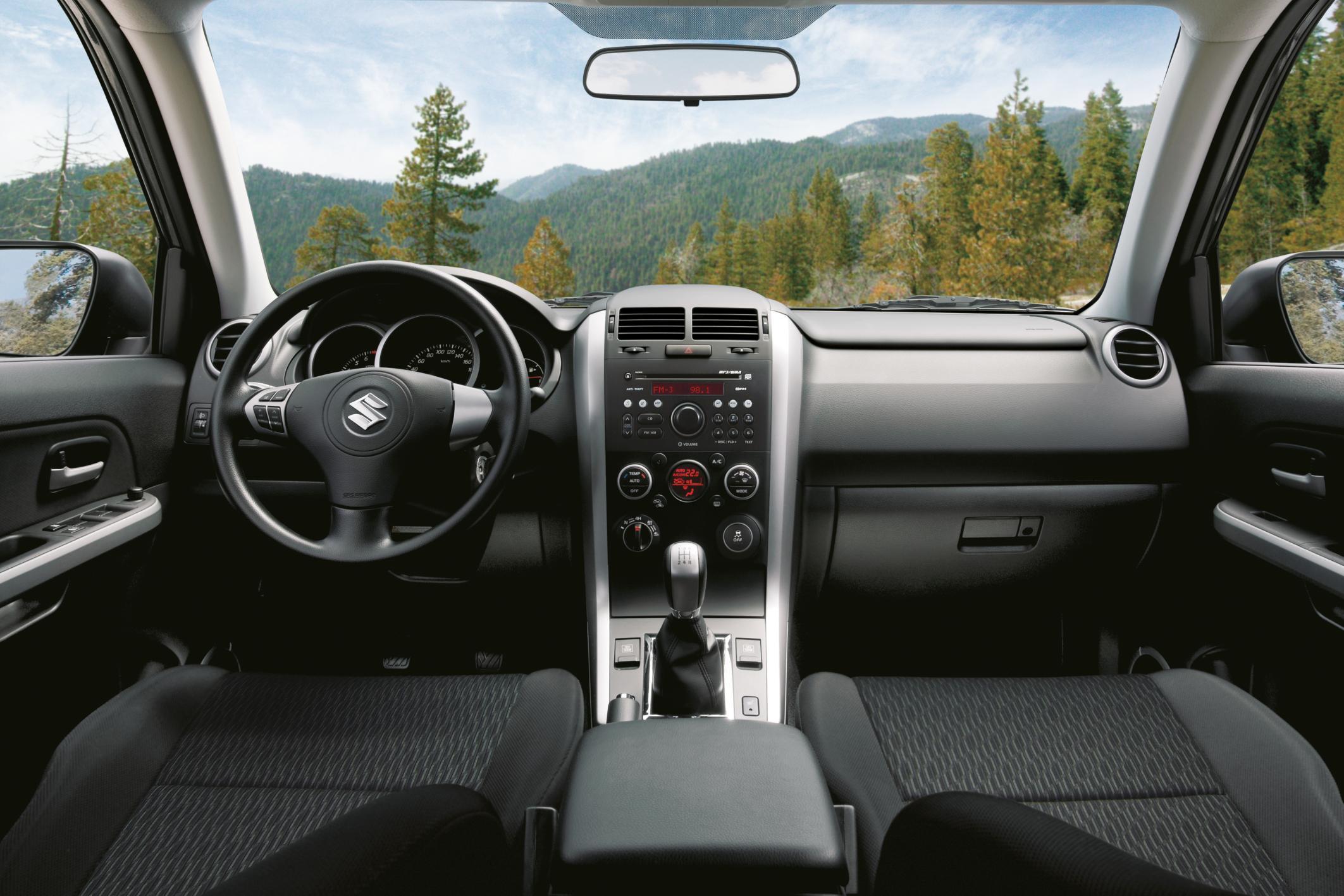 Suzuki Grand Vitara Innenraum Alternative Mit Stoffsitzen Foto