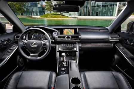 Lexus IS 300h Business Edition, Interieur, Foto: Lexus