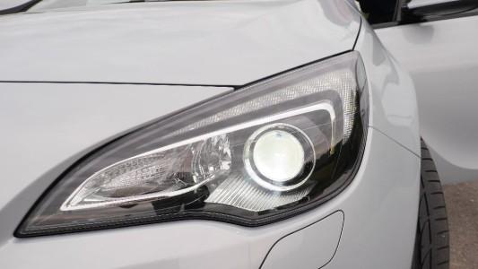 Opel Astra GTC Scheinwerfer, Foto: Autogefühl