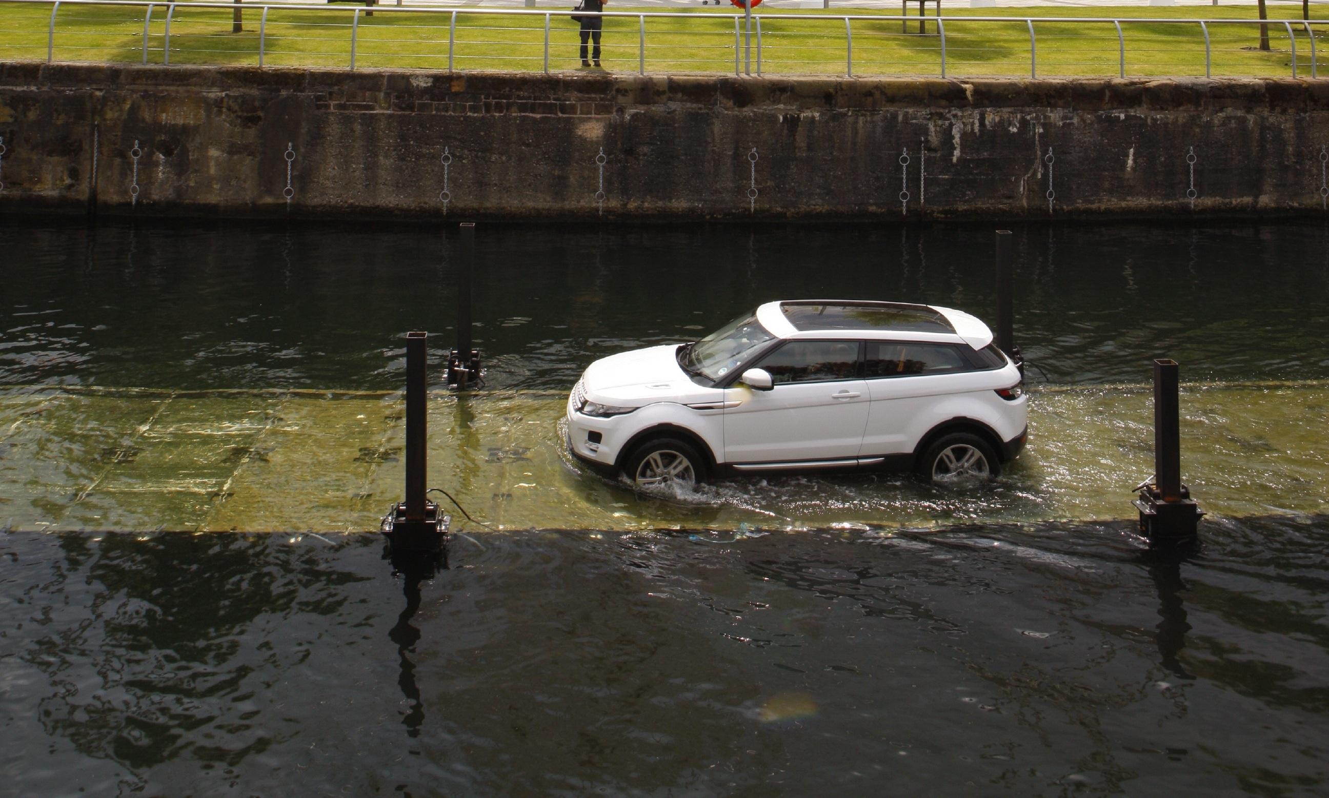 Range Rover Evoque offorad, Foto: Land Rover