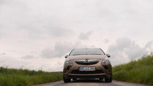 Opel Zafira Tourer, markante Front, Foto: Autogefühl