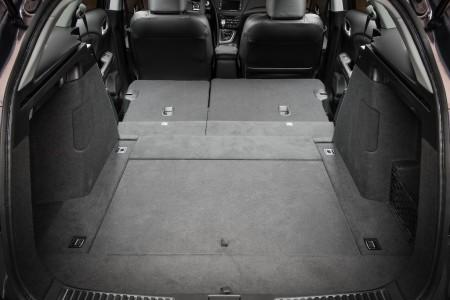 Honda Civic Tourer Laderaum mit umgeklappten Sitzen, Foto: Honda