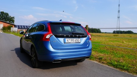 Volvo V60 Diesel in Power Blau-Metallic, Foto: Autogefühl