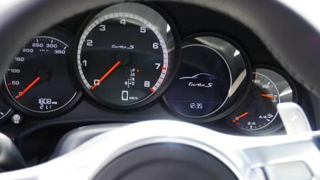 Porsche 911 Turbo S Tacho, Foto: Autogefühl