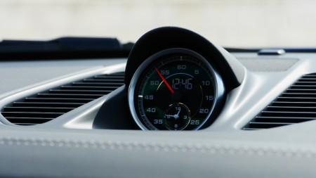 Analog-Stoppuhr im Porsche 911 Turbo S, Foto: Autogefühl