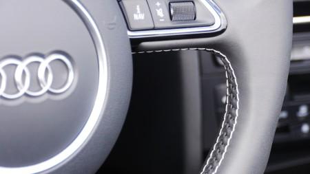 Audi S5 Cabriolet Lenkrad mit Kontrastnähten, Foto: Autogefühl