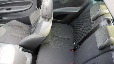Citoren DS3 Cabriolet Rückbank mit Vorder-Sitzen ganz weit hinten, Foto: Autogefuehl