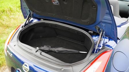 Nissan 370Z Roadster Kofferraum, Foto: Autogefühl