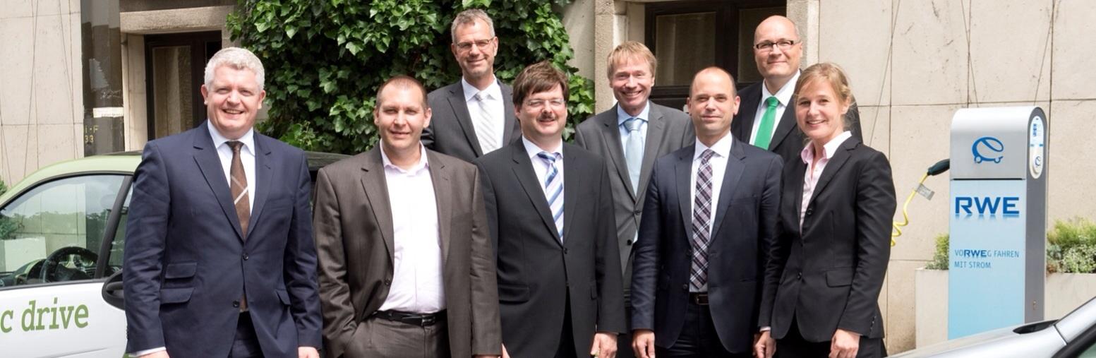 Autoren des neuen Handbuchs zur Elektromobilität, Foto: RWE