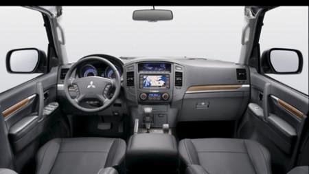 Mitsubishi Pajero Innenraum, Foto: Mitsubishi