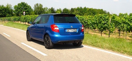 Skoda Fabia RS in blau. Foto: Autogefühl
