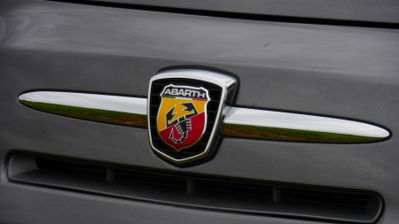 Abarth Logo Badge, Foto: Autogefühl