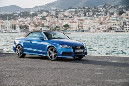 Audi A3 Cabriolet in Arablau Verdeck geschlossen in Monaco, Foto: Audi