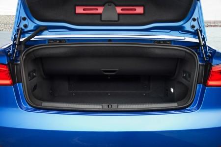 Audi A3 Cabriolet Kofferraum mit Verdeck offen, Foto: Audi