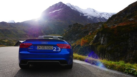Audi RS5 Cabriolet in blau, Foto: Autogefühl