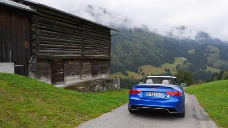 Mit dem Audi RS5 Cabriolet auf die Alm. Foto: Autogefühl