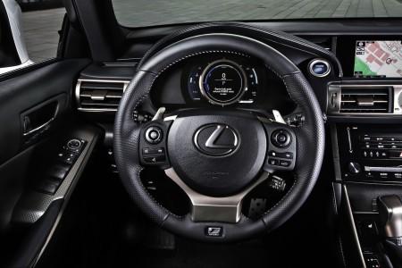Lexus IS 300h F-Sport Lenkrad, Foto: Lexus