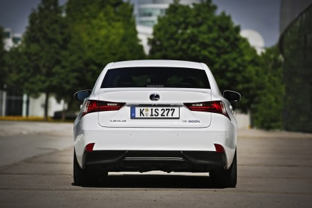 Lexus IS 300h F-Sport Heck, Foto: Lexus