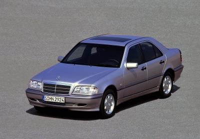 Die erste Mercedes-Benz C-Klasse W202, Foto: Mercedes