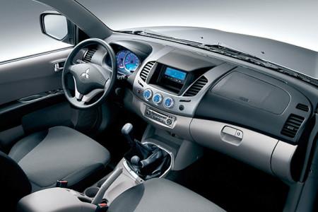 Mitsubishi L200 Interieur, Foto: Mitsubishi