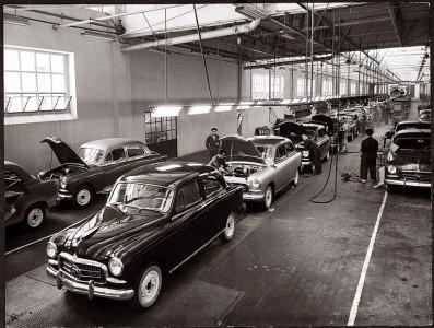 Fertigungslinie des SEAT 1400 in der Freihandelszone Zona Franca, Barcelona, im Jahr 1953, Foto: Seat