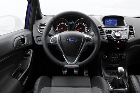 Fiesta ST Interieur: Super Sitze, aber überladendes Cockpit Foto: Ford