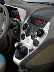 Ka Interieur - mit ausladender Mittelkonsole von Fiat - Foto: Ford