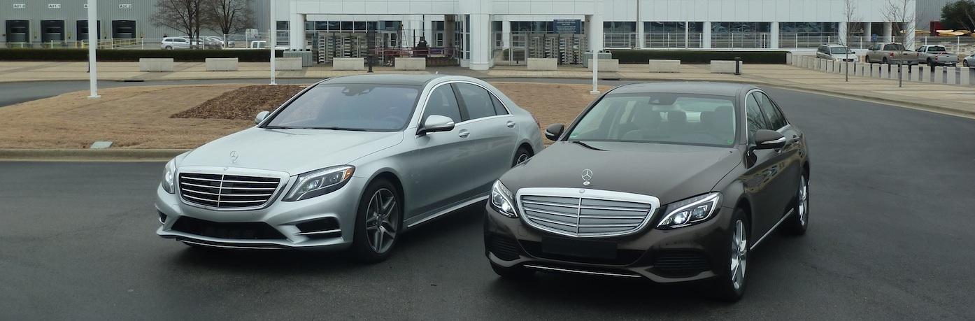Mercedes S-Klasse vs Mercedes C-Klasse (rechts), Foto: Autogefühl