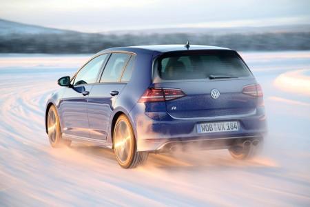 Der neue VW Golf R auf Schnee, Foto: VW