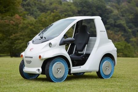 Der Bridgestone Reifen, montiert auf einem maximal 400 kg schweren City- oder Golf-car - Foto: Bridgestone