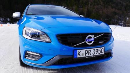 Volvo V60 R-Design mit der aktuellen charakteristischen Volvo-Front, Foto: Autogefühl