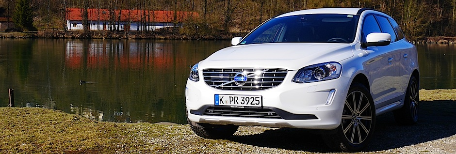Volvo XC60 in Inscription Crystal Weiß-Perleffekt, Foto: Autogefühl