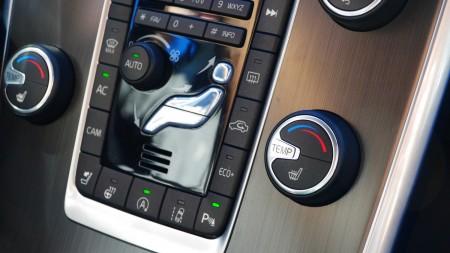 Volvo XC60 Mittelkonsole mit Holzinlet, Foto: Augefühl