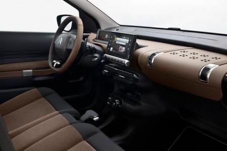 Flacher und horizonaler Armaturenträger - Foto: Citroën
