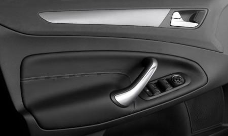 Ford Mondeo - Lederbezug auch an den Innenseiten der Türen, Foto: Ford