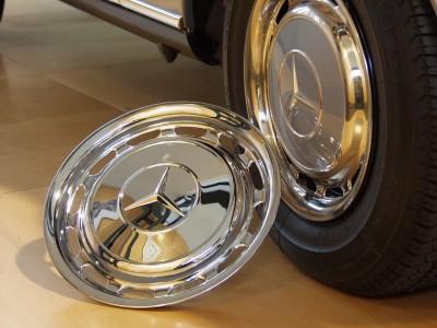 Original-Radzierblenden sind nicht nur bei Daimler heiß begehrt - Foto: Mercedes-Benz Classic