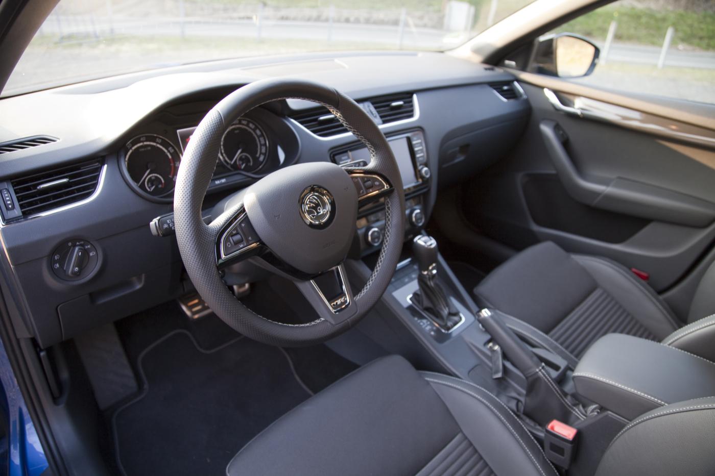 Skoda Octavia Combi RS - Innenraum Foto: Thomas Blachetzki