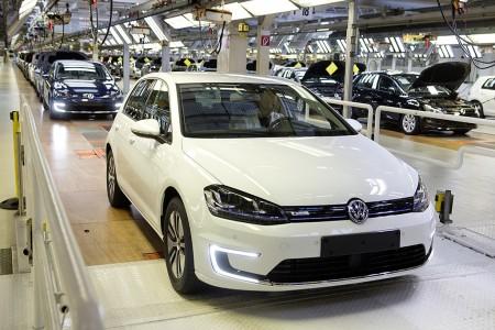 Der erste VW e-Golf rollt von der Montagelinie, Foto: VW