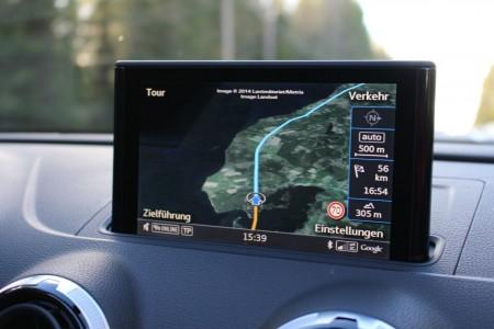 Audi S3 Cabriolet Navigationssystem, Foto: Autogefühl