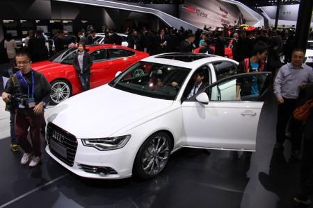 Großes Interesse am Audi-Stand auf der Peking Auto Show (Audi A4 L), Foto: Autogefühl