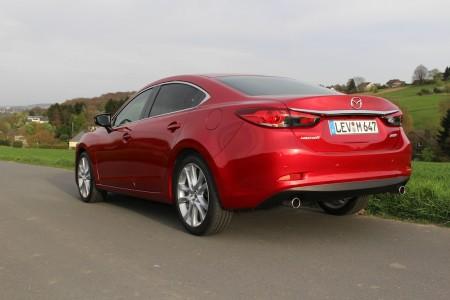 Mazda6 Limousine dynamisches Heck, Foto: Autogefühl