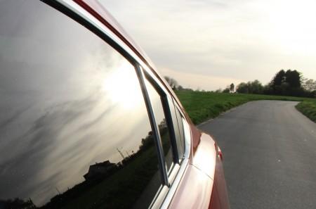 Mazda6 Limousine: Die Linienführung kann man nicht oft genug zeigen. Foto: Autogefühl