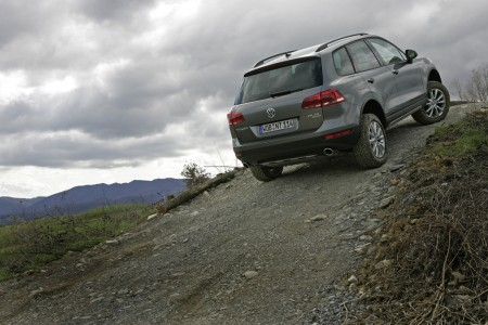 Volkswagen Touareg V6 TDI BlueMotion Technology mit 176 kW 240 PS mit Terrain Tech Paket, Foto: VW