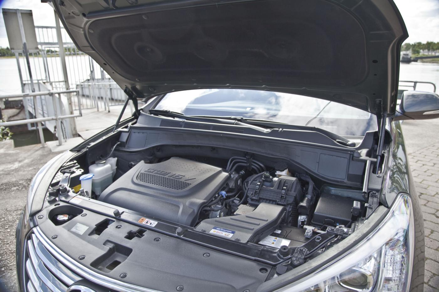 Hyundai Grand Santa FeIMG_2073