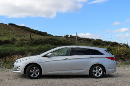 Hyundai i40 Kombi - Seitenlinie sehr weit hinunter gezogen, Foto: Autogefühl
