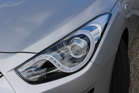 Hyundai i40 Kombi LED-Tagfahrtlicht mit interessanter verspielter Form, Foto: Autogefühl