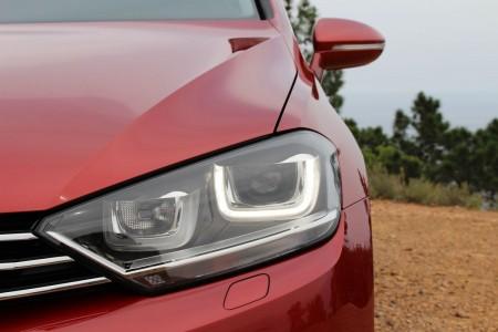 VW Golf Sportsvan moderne Kubus-Optik an den Scheinwerfern, Foto: Autogefühl