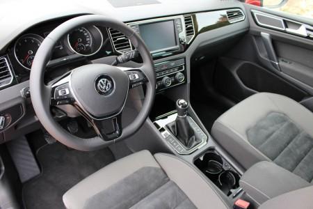 VW Golf Sportsvan Cockpit, Foto: Autogefühl