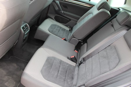 VW Golf Sportsvan variable Fond-Sitze zum Vergrößern des Kofferraums oder der Beinfreiheit, Foto: Autogefühl